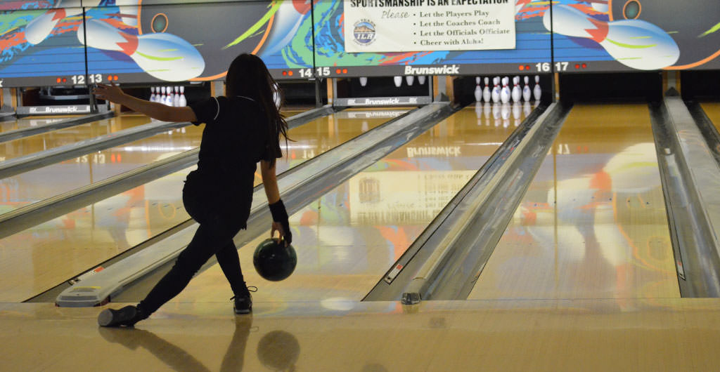 Girls Bowling 2015-2016 at Mid-Pacific