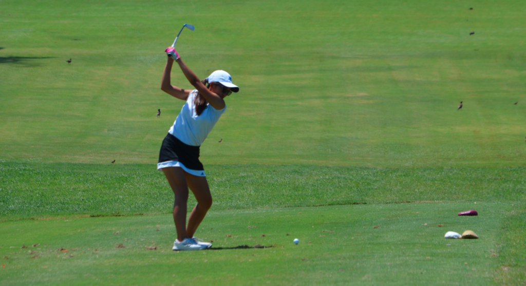 Girls Golf at Mid-Pacific