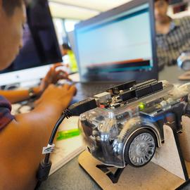 Mid-Pacific high schoolers learn to code autonomous vehicles